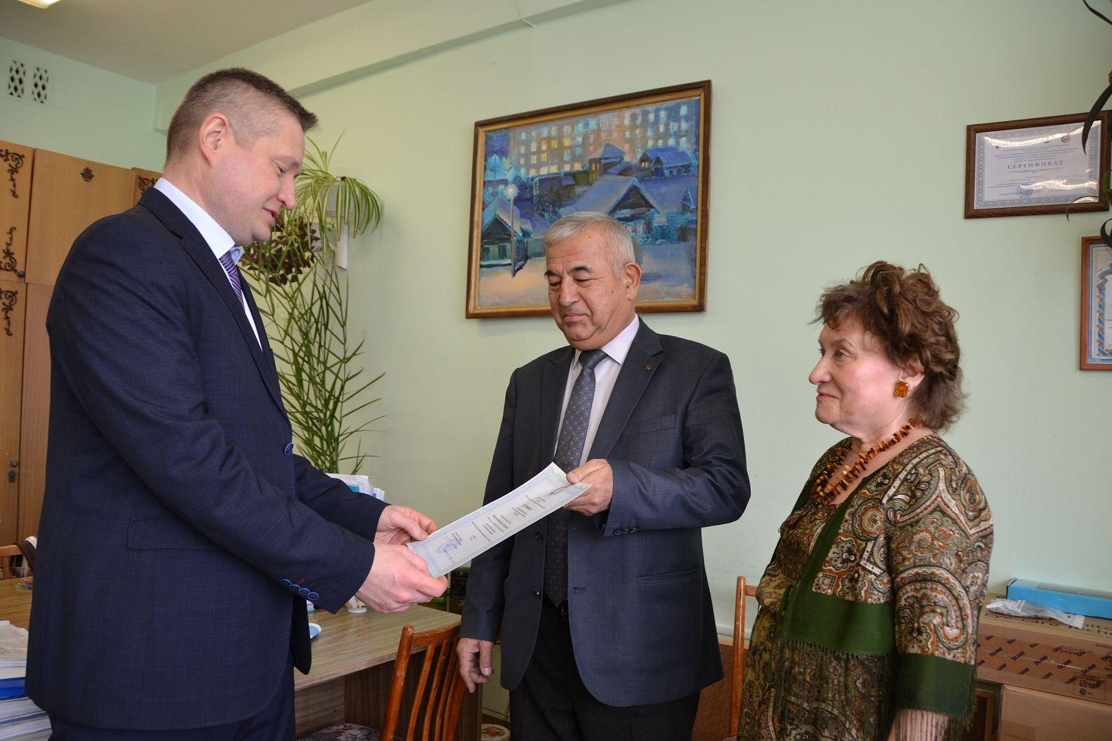 В АлтГУ прошел стажировку директор Государственного музея-мавзолея Гур-Эмира из Узбекистана
